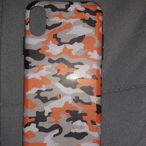 Velvet caviar iPhone X/Xs camo orange case